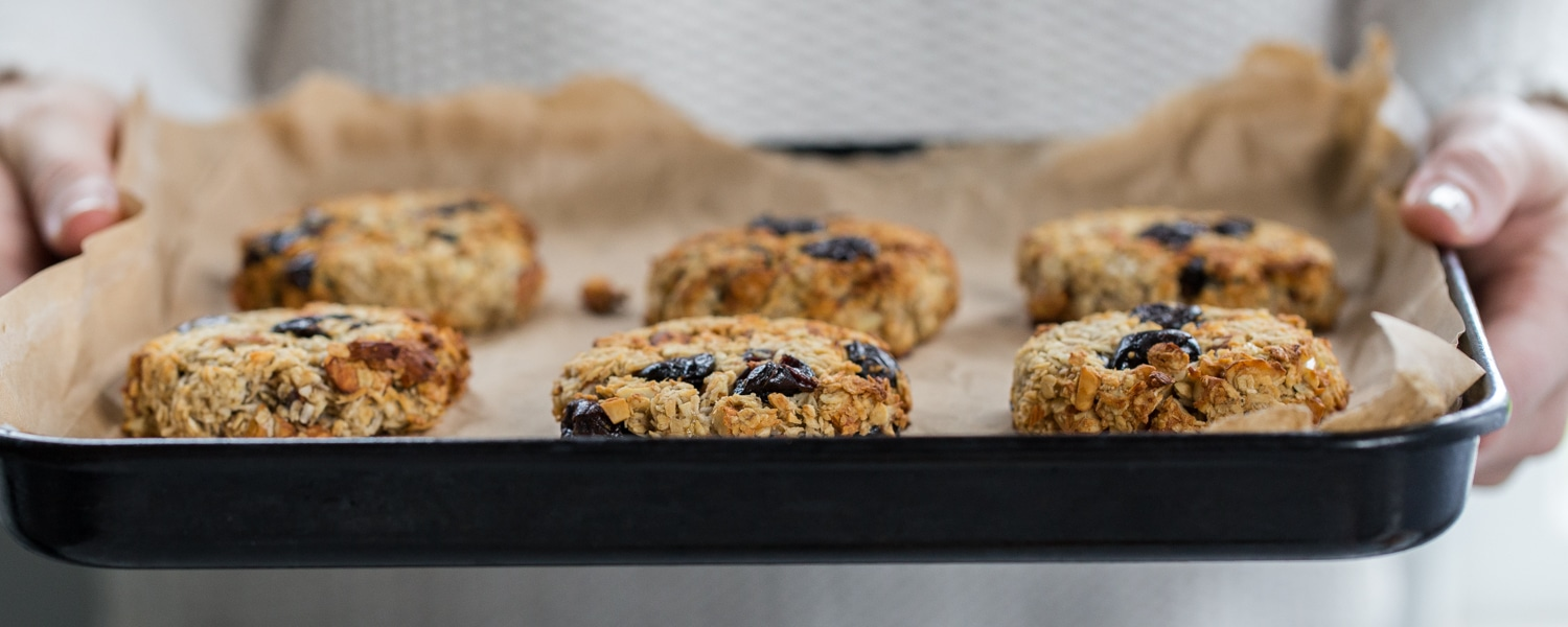 oat raisin vegan cookies