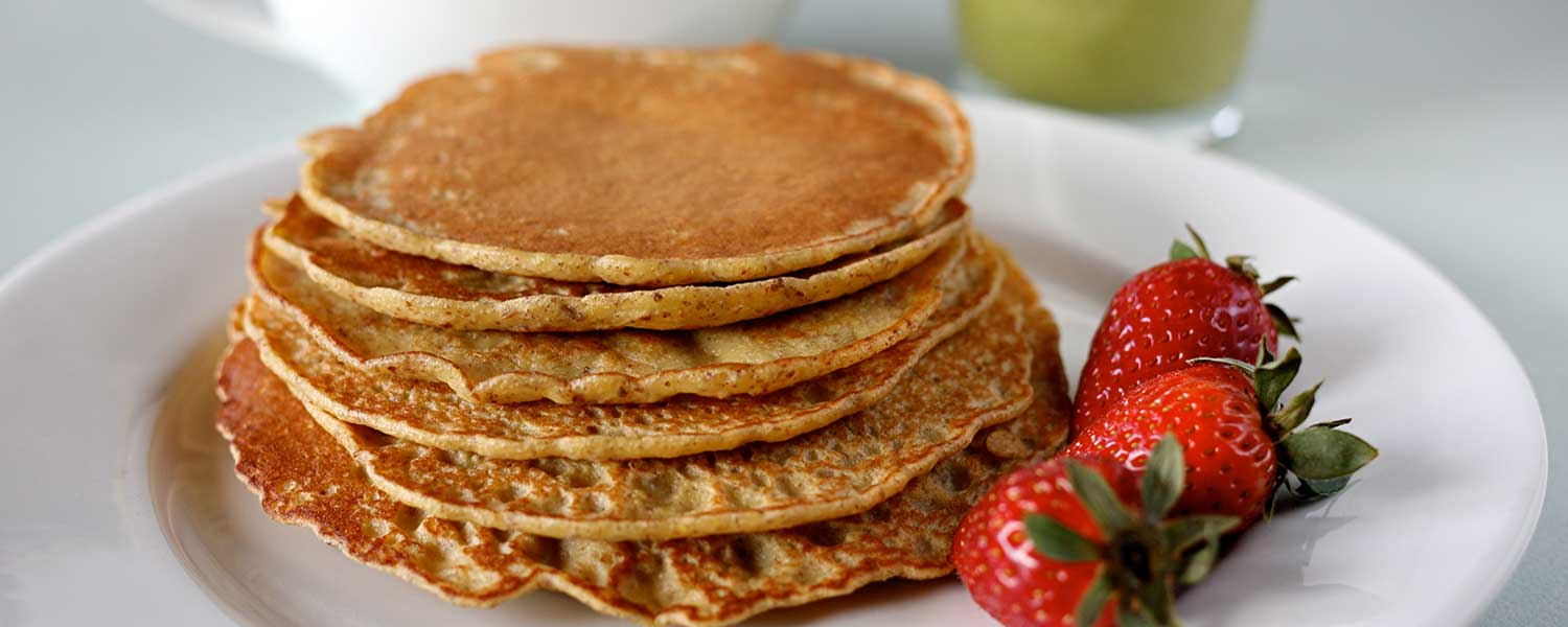 Flaxseed-Pancakes-with-Strawberries-2