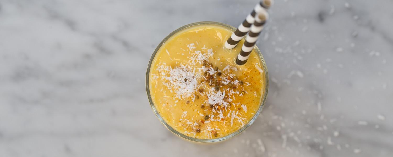 golden-turmeric-coconut-smoothie-recipe