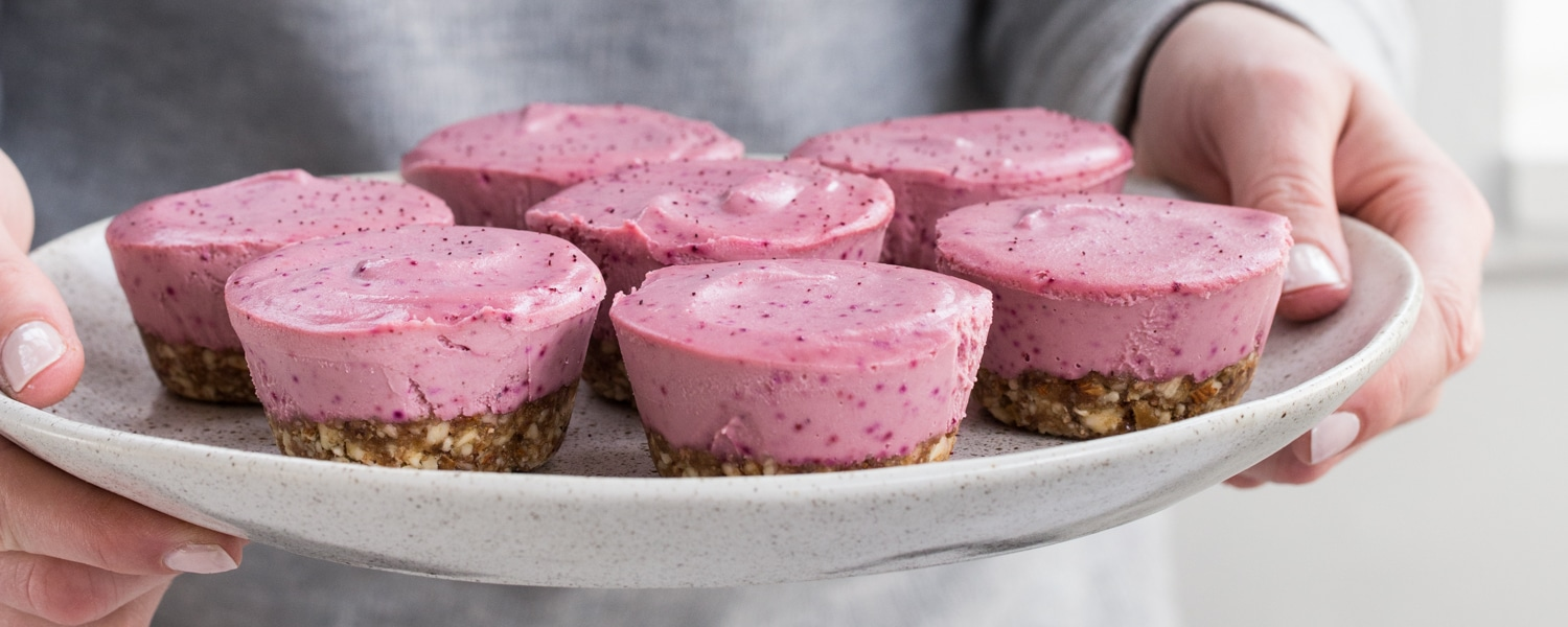 mini raw vegan cheesecakes